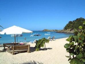 Friars_Bay_Beach