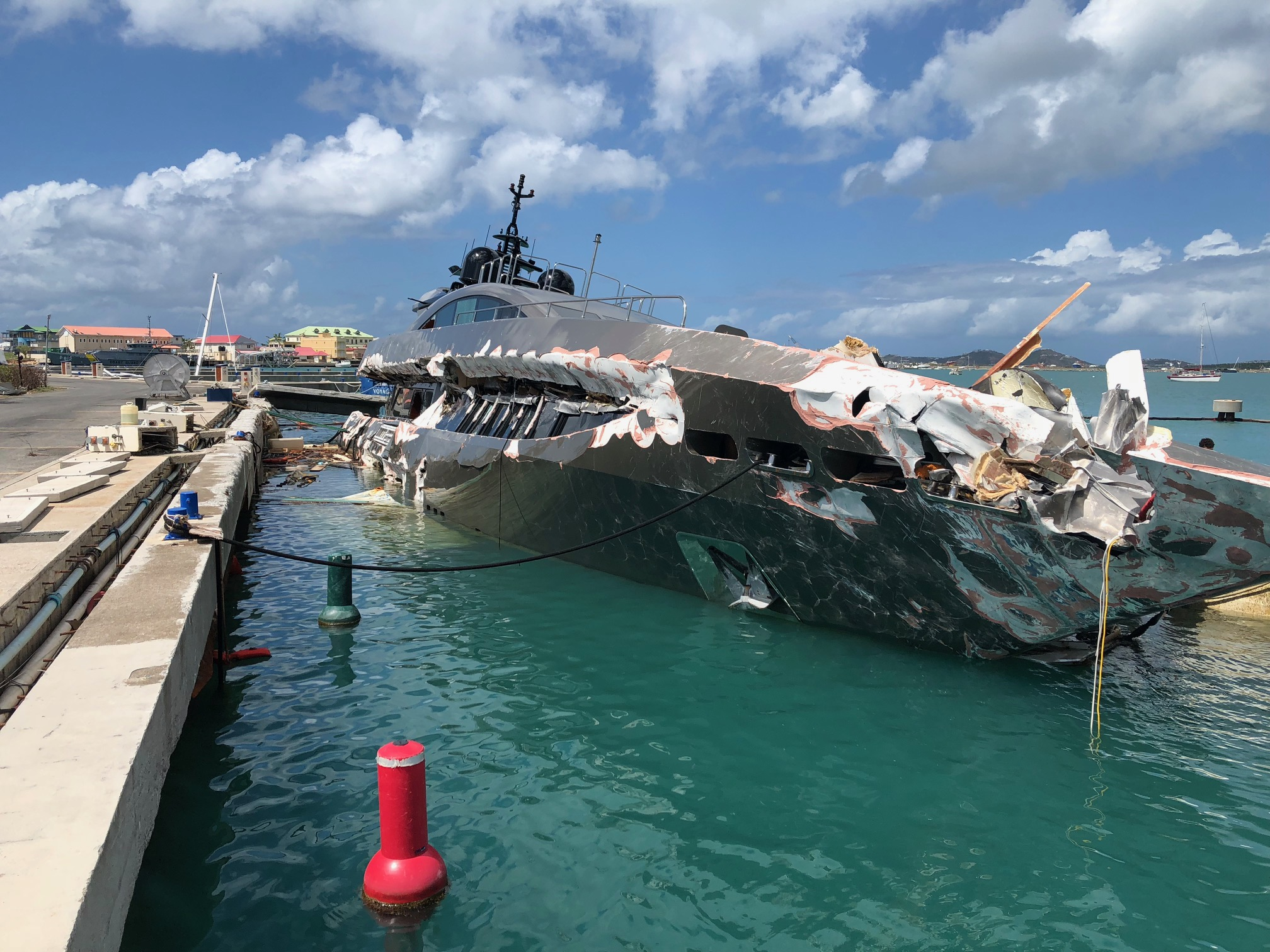 Sint Maarten Nature Foundation Monitors Salvage Operations in Oyster