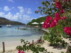 Pinel_Island_Beach_2